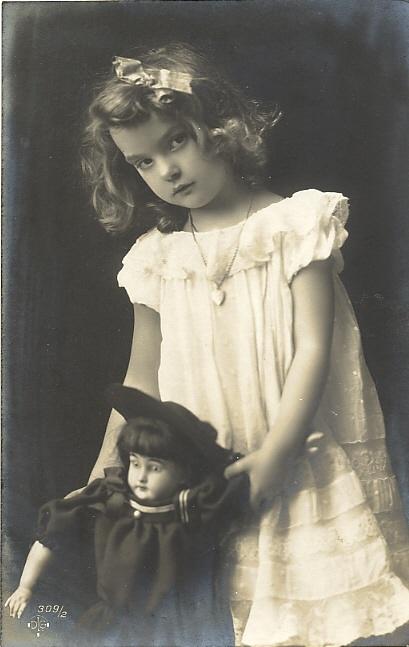 bambola e bimba